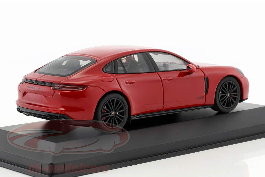 Porsche Panamera GTS año de construcción 2016 carmín rojo 1:43 Herpa