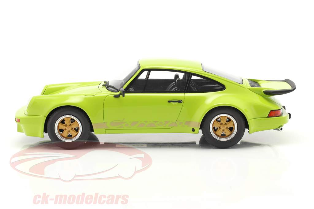 Porsche 911 Carrera RS 3.0 Coupe Baujahr 1974 hellgrün 1:18 GT-SPIRIT