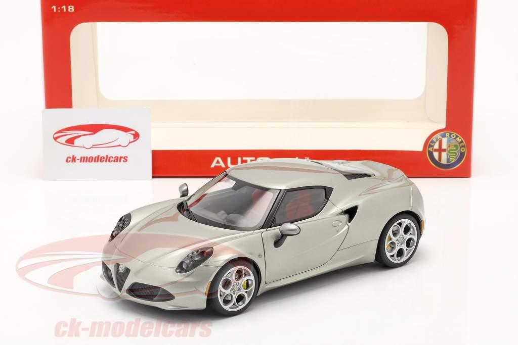 Alfa Romeo 4C Anno 2013 grigio metallizzato 1:18 AUTOart