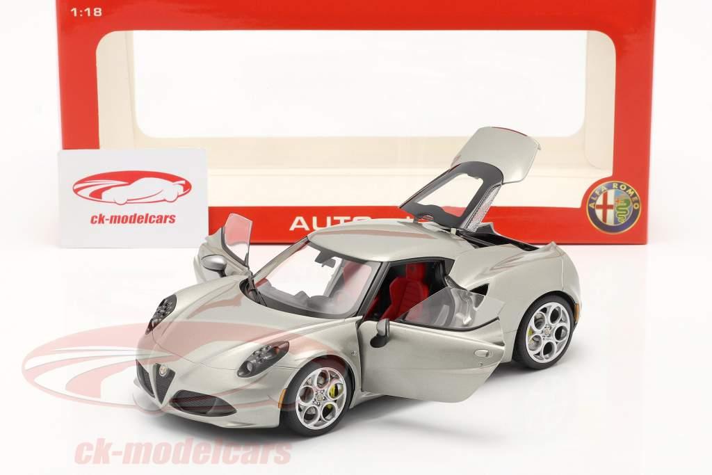 Alfa Romeo 4C Année 2013 gris métallisé 01h18 AUTOart
