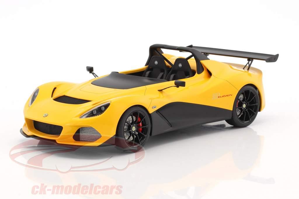 Lotus 3-Eleven Bouwjaar 2017 geel 1:18 AUTOart