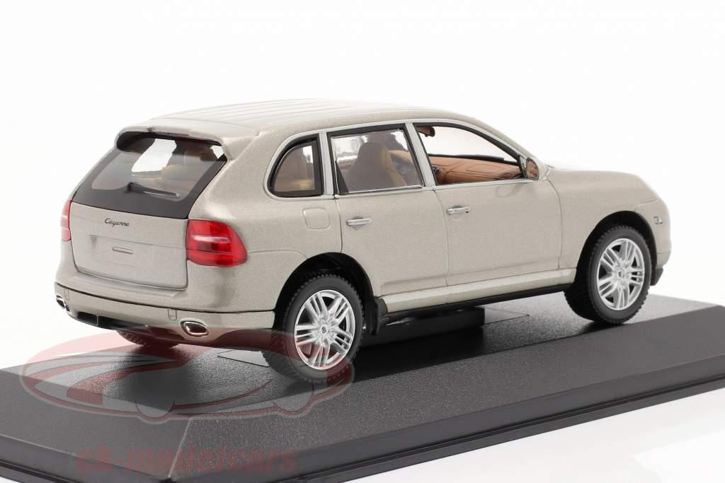Porsche Cayenne S Baujahr 2007 beige 1:43 Minichamps