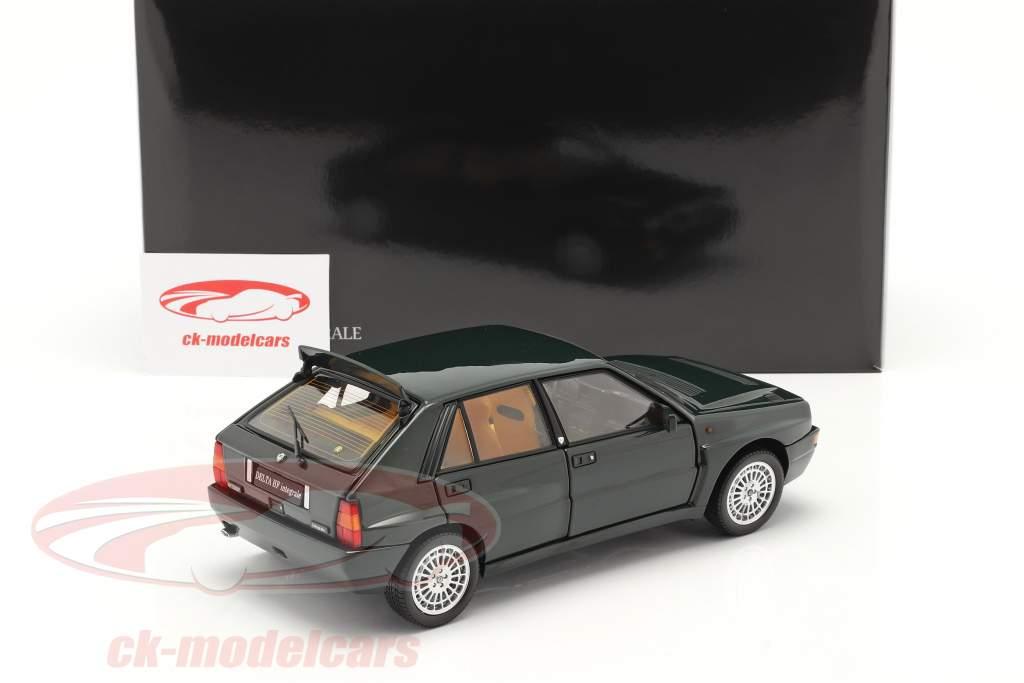 Lancia Delta HF Integrale Evo II Bouwjaar 1992 york groen metalen 1:18 Kyosho