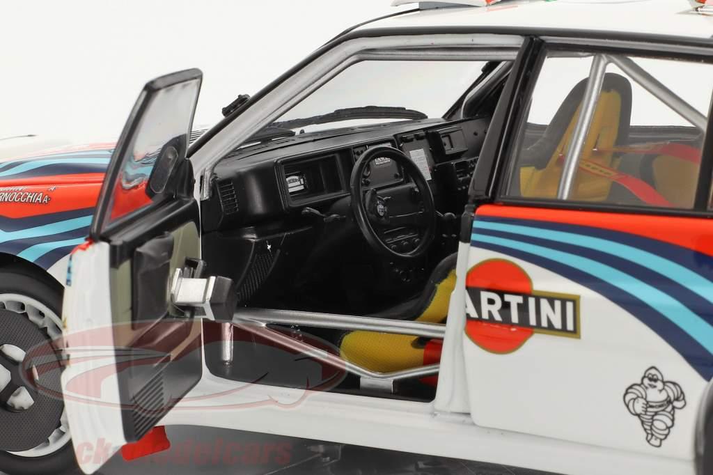 Lancia Delta HF Integrale #5 vencedora Rallye SanRemo 1992 1:18 Kyosho