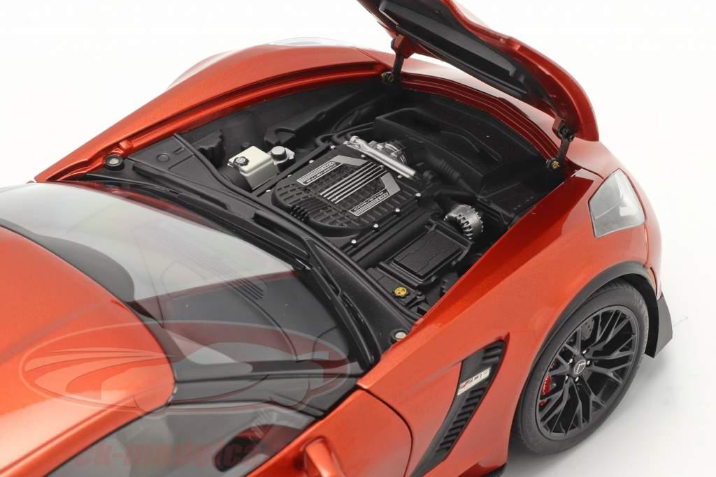 Chevrolet Corvette C7 Z06 Bouwjaar 2014 oranje 1:18 AUTOart