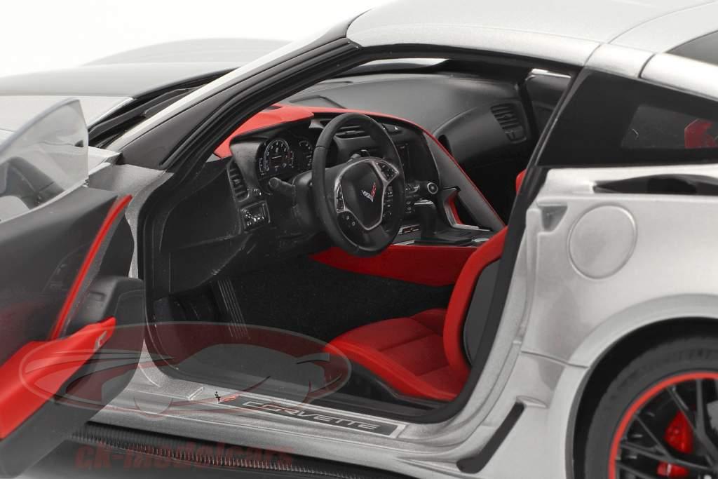 Chevrolet Corvette C7 Z06 Baujahr 2014 silber 1:18 AUTOart