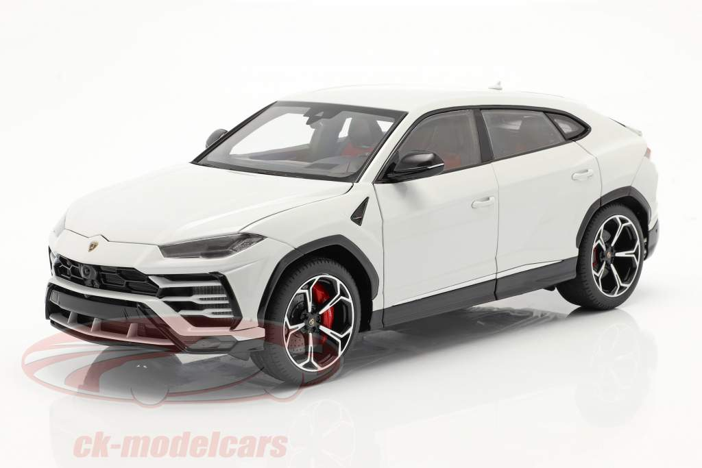 Lamborghini Urus year 2018 white metallic 1:18 AUTOart