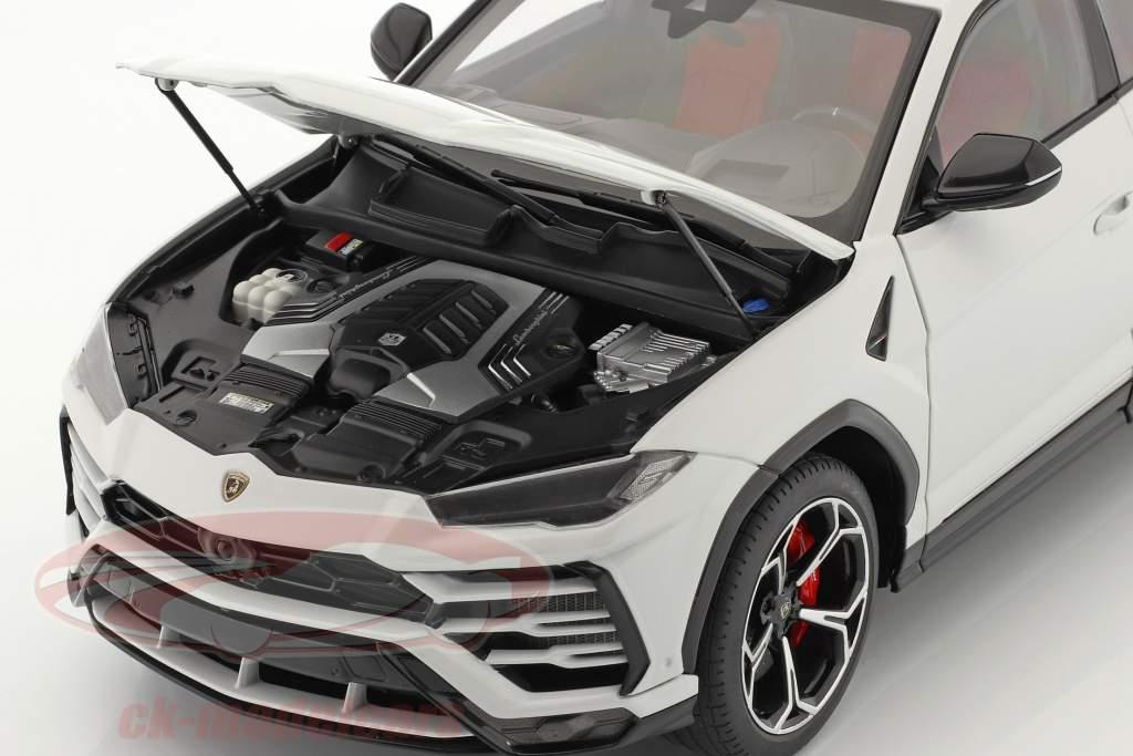Lamborghini Urus Ano de construção 2018 Branco metálico 1:18 AUTOart