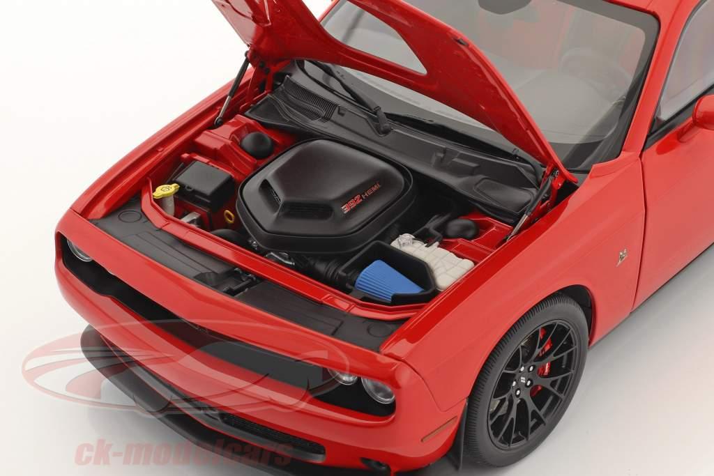 Dodge Challenger 392 HEMI Scat Pack Shaker 2018 rojo 1:18 AUTOart