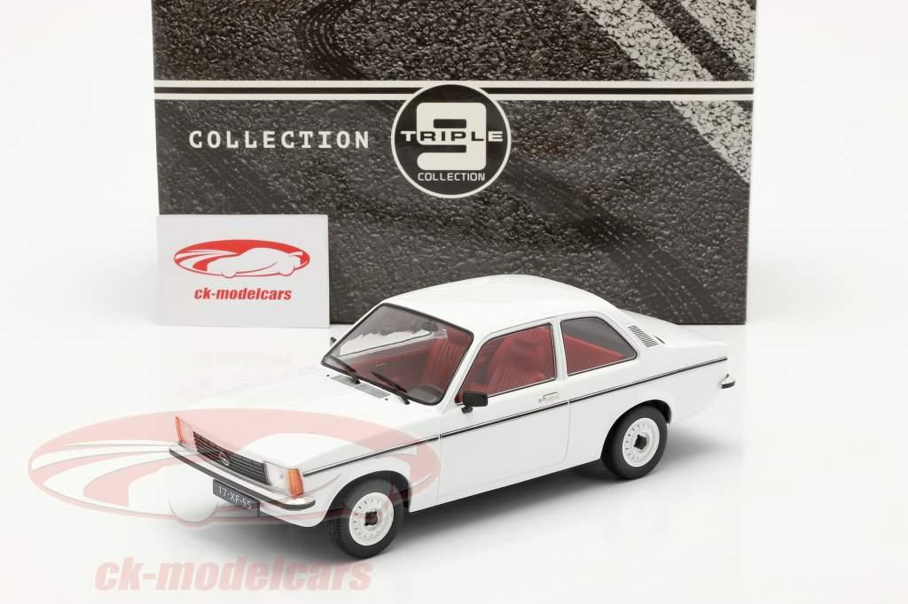 Opel Kadett C2 år 1977 hvid 1:18 Triple9