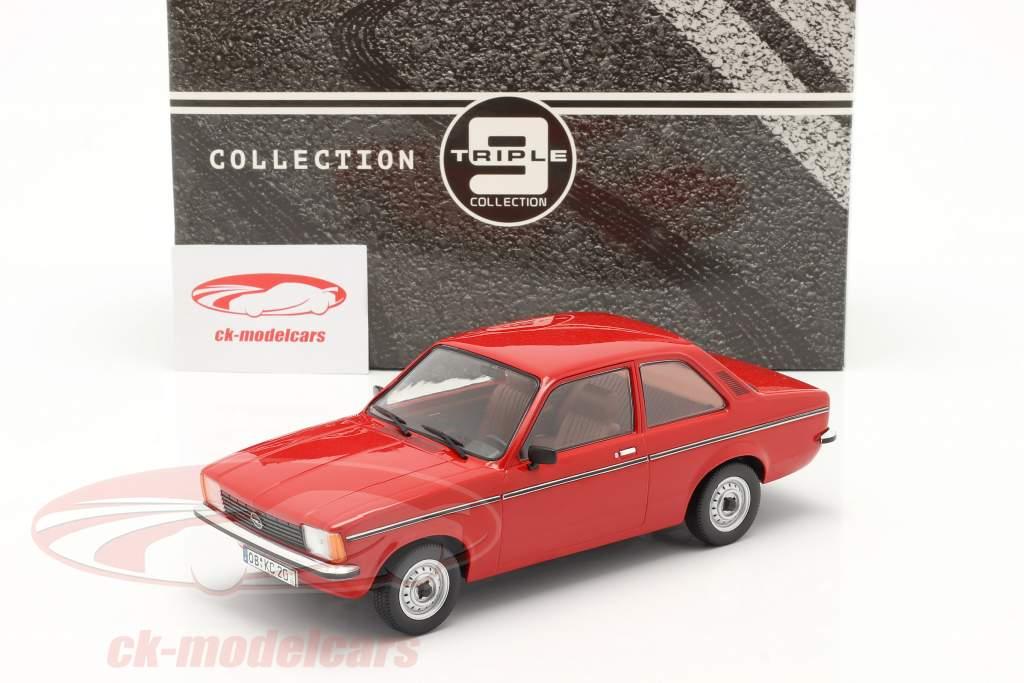 Opel Kadett C2 år 1977 rød 1:18 Triple9