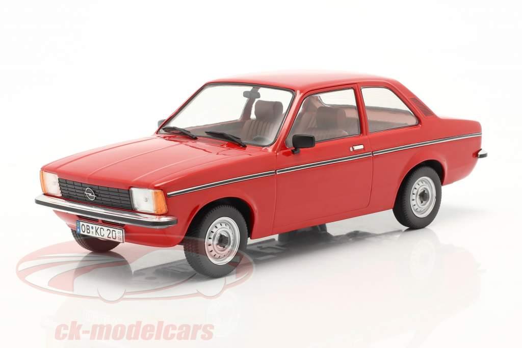Opel Kadett C2 jaar 1977 rood 1:18 Triple9