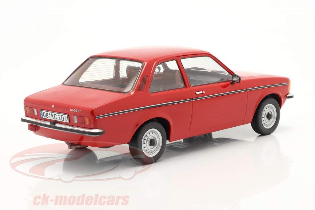 Opel Kadett C2 año 1977 rojo 1:18 Triple9