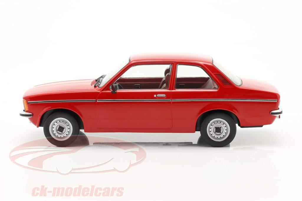 Opel Kadett C2 ano 1977 vermelho 1:18 Triple9