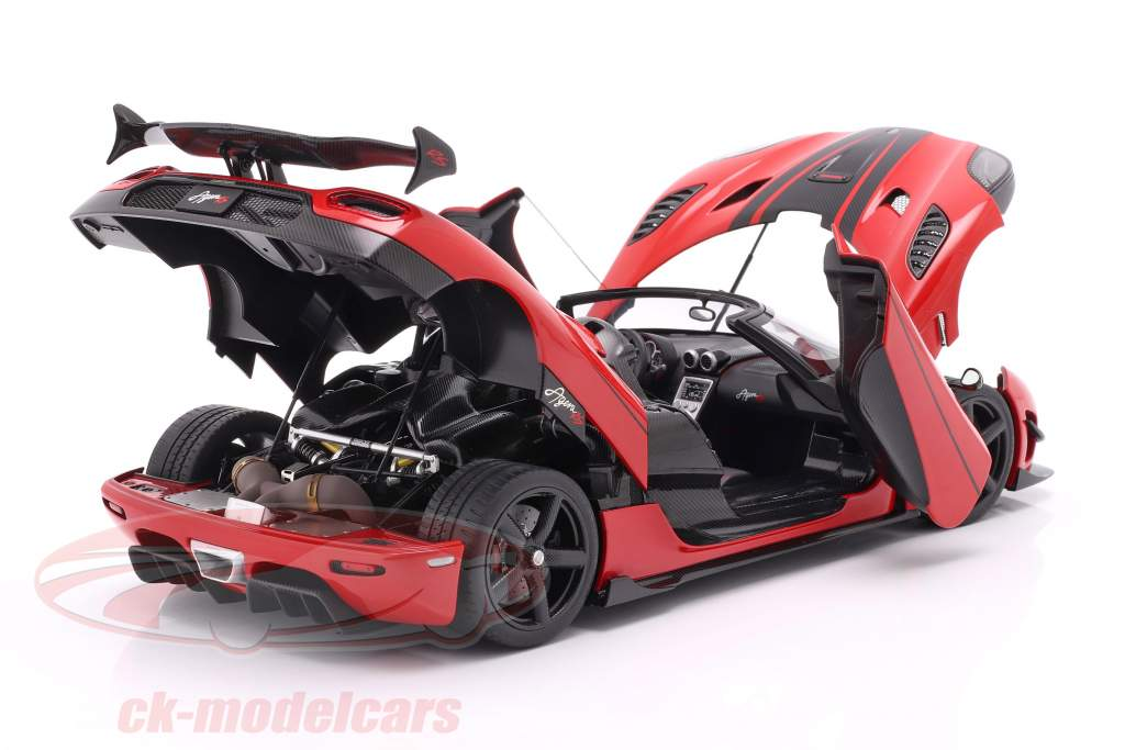 Koenigsegg Agera RS Byggeår 2015 chili rød / kulstof 1:18 AUTOart
