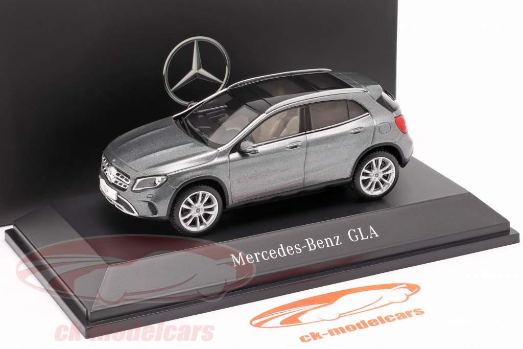 Mercedes-Benz GLA (X156) montagna grigio 1:43 Spark