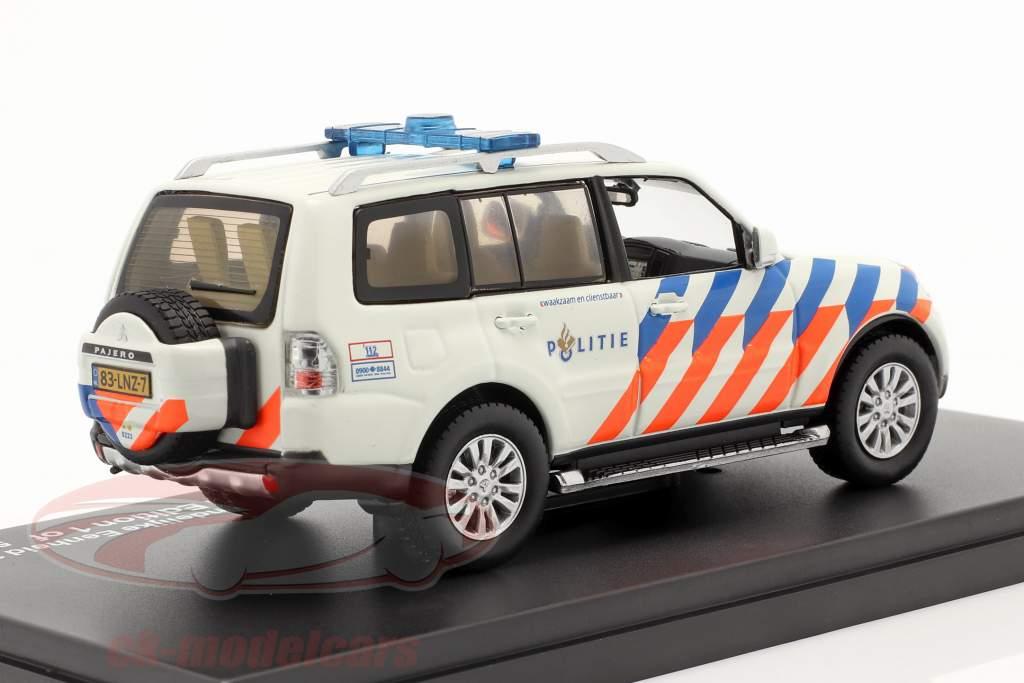 Mitsubishi Pajero Politie Netherlands 2013 weiß / orange / blau 1:43 Triple 9