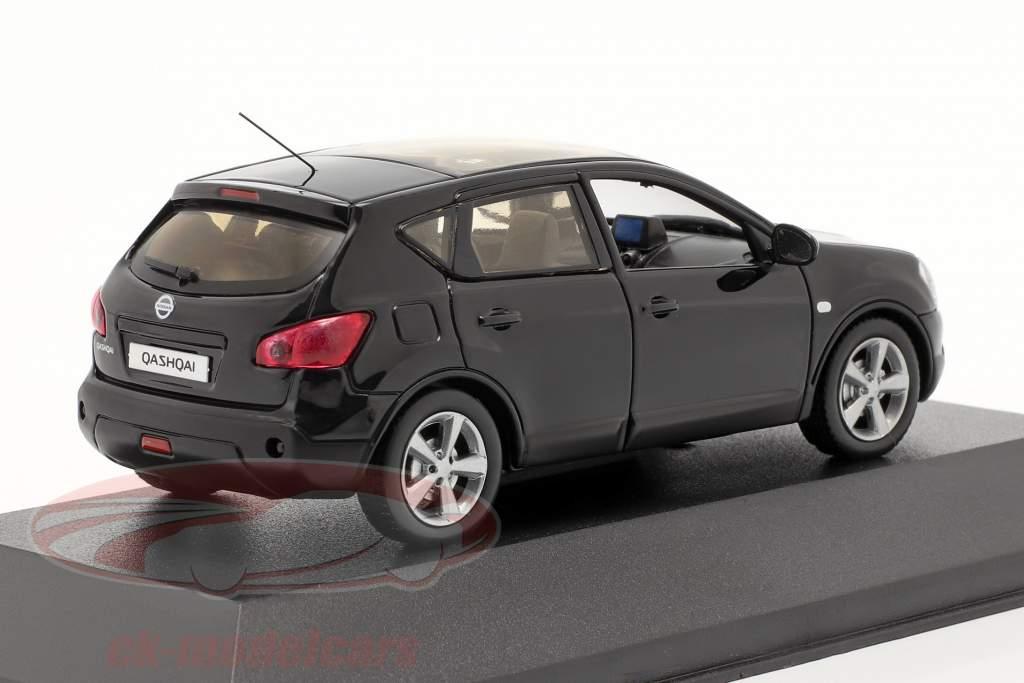 Nissan Qashqai Baujahr 2007 schwarz 1:43 Triple 9