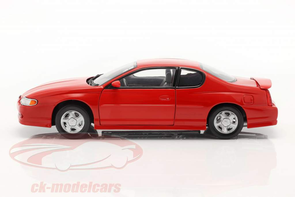 Chevrolet Monte Carlo SS année 2000 rouge 1:18 SunStar