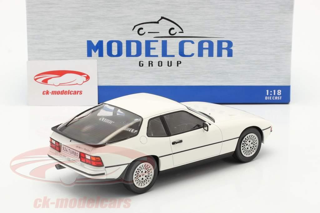 Porsche 924 Turbo Baujahr 1979 weiß 1:18 Model Car Group
