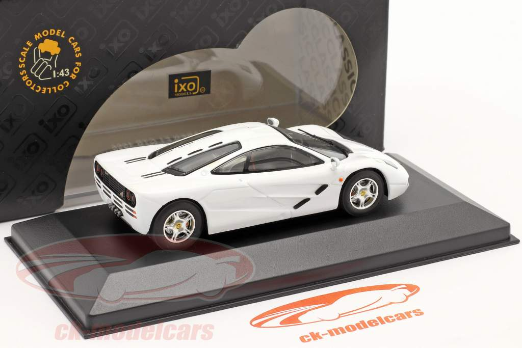 McLaren F1 GTR jaar 1996 wit 1:43 Ixo