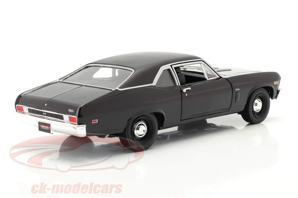 Chevrolet Yenko Nova Bouwjaar 1969 zwart 1:18 AutoWorld