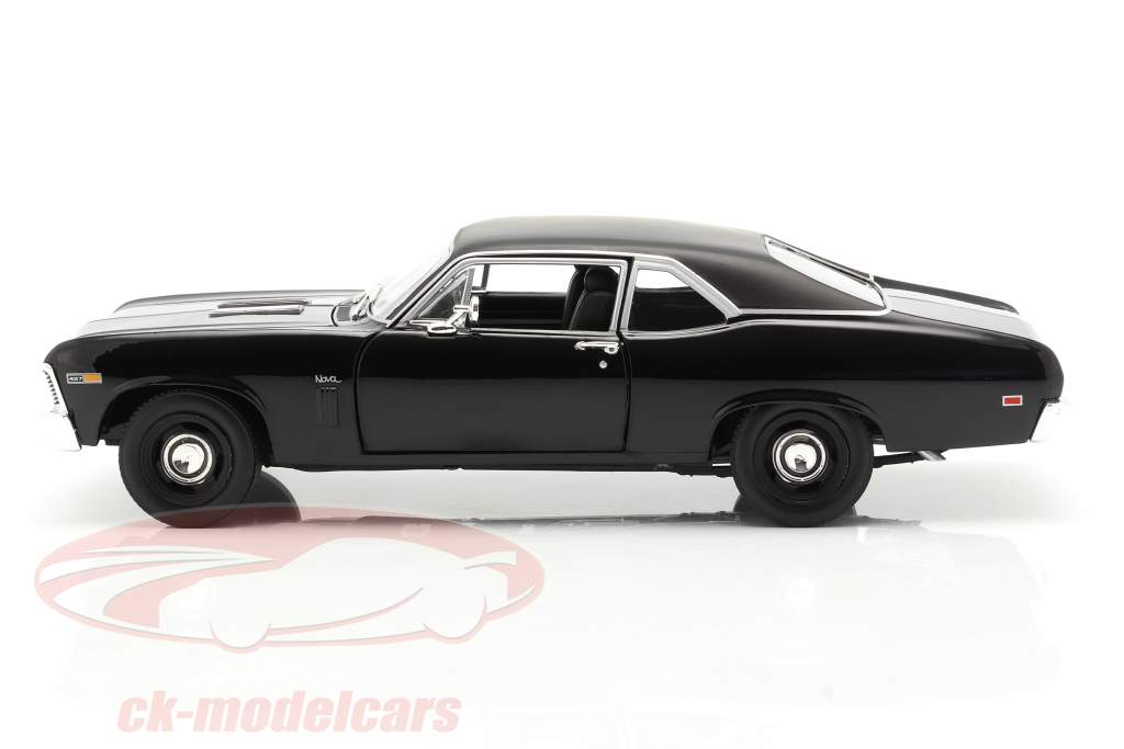 Chevrolet Yenko Nova year 1969 black 1:18 AutoWorld