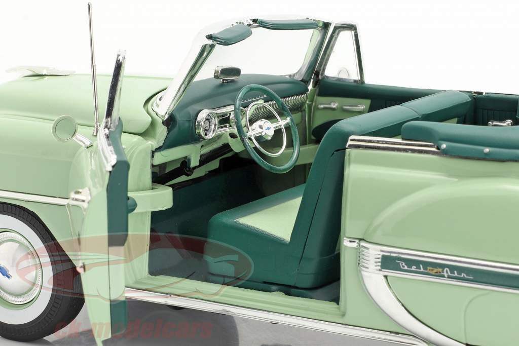 Chevrolet Bel Air Open Convertible Ano de construção 1953 claro verde 1:18 SunStar