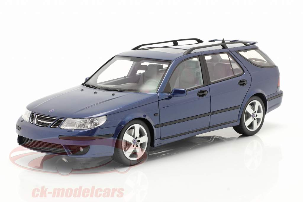 Saab 9-5 Sportcombi Aero Byggeår 2005 blå 1:18 DNA Collectibles
