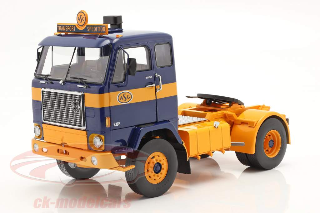 Volvo F88 Vrachtwagen ASG Transport 1971 blauw / geel 1:18 Model Car Group