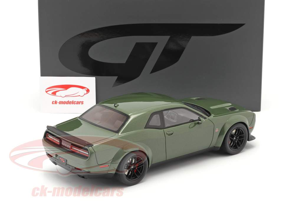 Dodge Challenger R/T Coupe Bouwjaar 2019 groen metalen 1:18 GT-Spirit