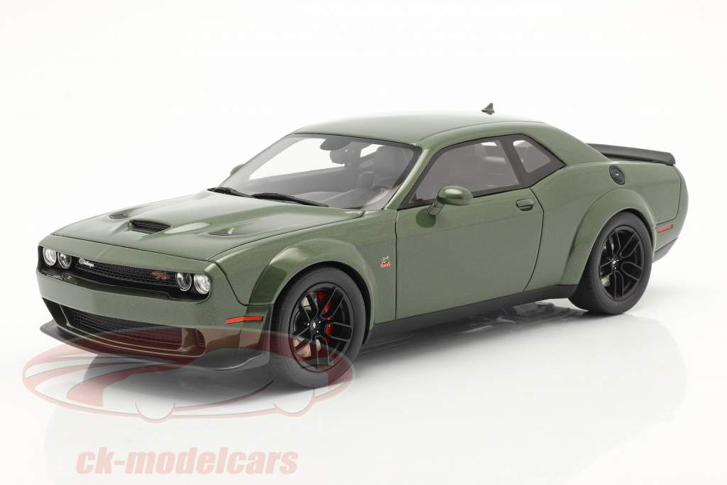 Dodge Challenger R/T Coupe 建設年 2019 緑 メタリック 1:18 GT-Spirit
