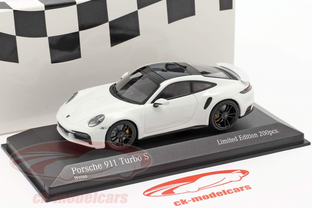 Porsche 911 (992) Turbo S 2020 white / black rims 1:43 Minichamps