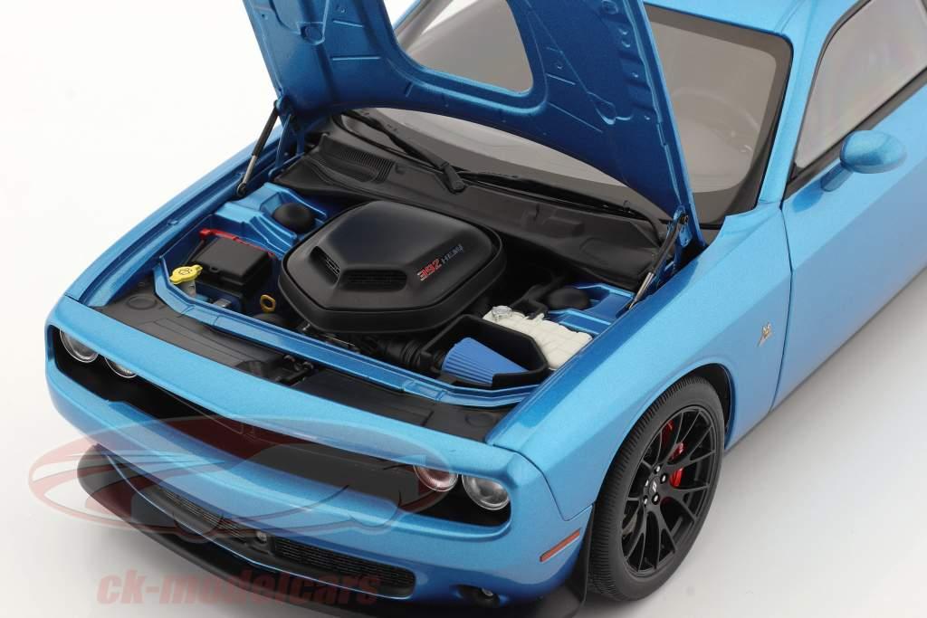 Dodge Challenger 392 Hemi Scat Pack Shaker Año de construcción 2018 azul 1:18 AUTOart