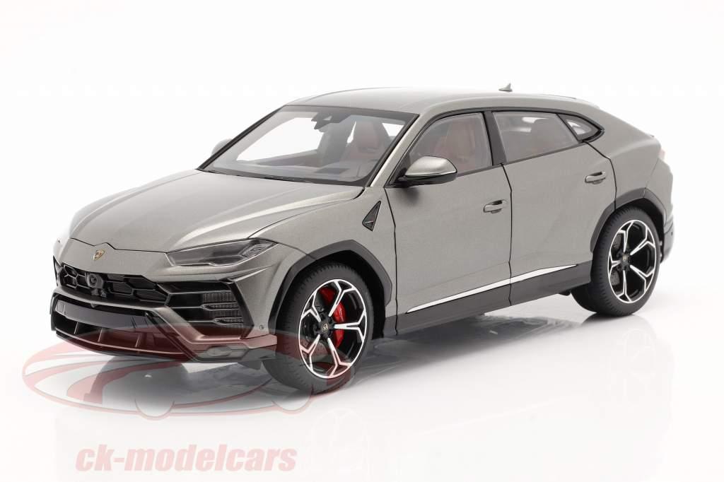 Lamborghini Urus Byggeår 2018 frostet Grå 1:18 AUTOart