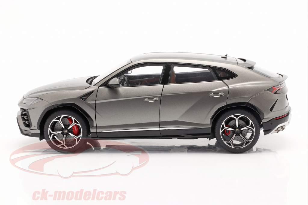 Lamborghini Urus Ano de construção 2018 fosco cinza 1:18 AUTOart