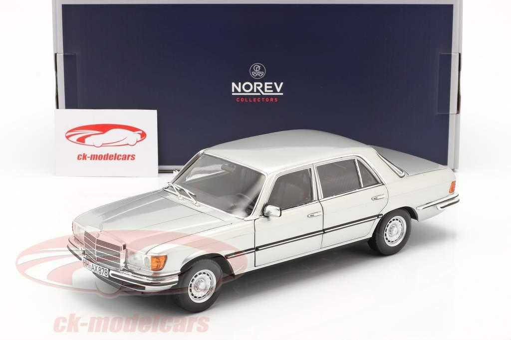 Mercedes-Benz 450 SEL 6.9 (W116) Bouwjaar 1976 zilver 1:18 Norev