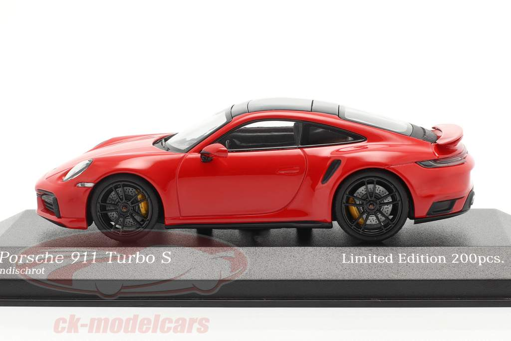 Porsche 911 (992) Turbo S 2020 indischrot / schwarze Felgen 1:43 Minichamps