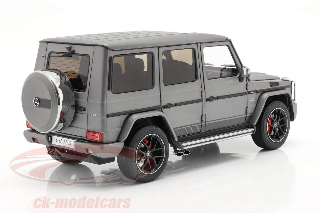 Mercedes-Benz AMG Clase G (W463) 2017 gris metálico 1:18 Almost Real