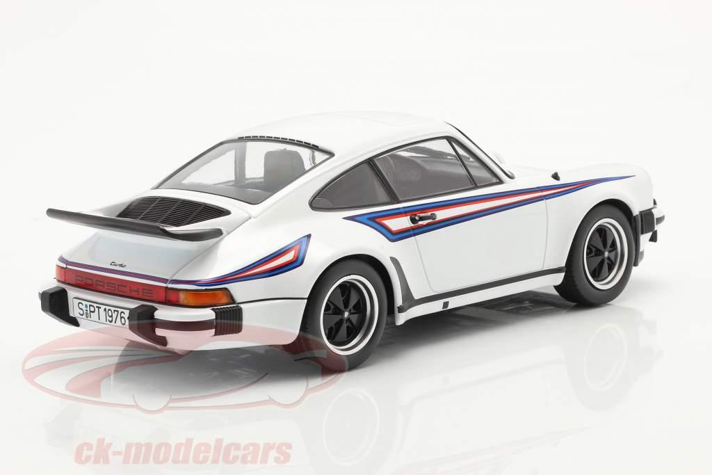 Porsche 911 (930) Turbo 3.0 Ano de construção 1976 Branco / Martini Livery 1:18 KK-Scale
