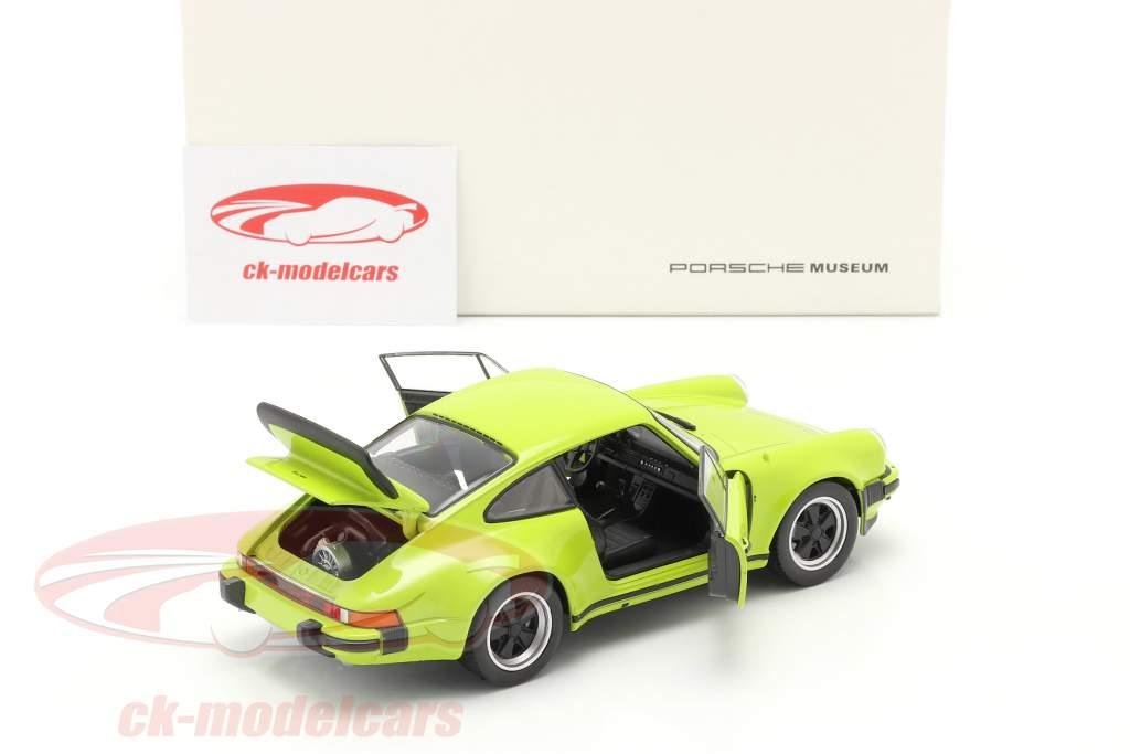 Porsche 911 (930) Turbo År 1975 lime 1:24 Welly