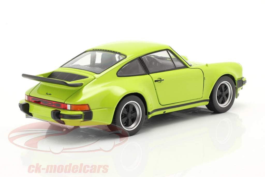 Porsche 911 (930) Turbo Year 1975 lime 1:24 Welly