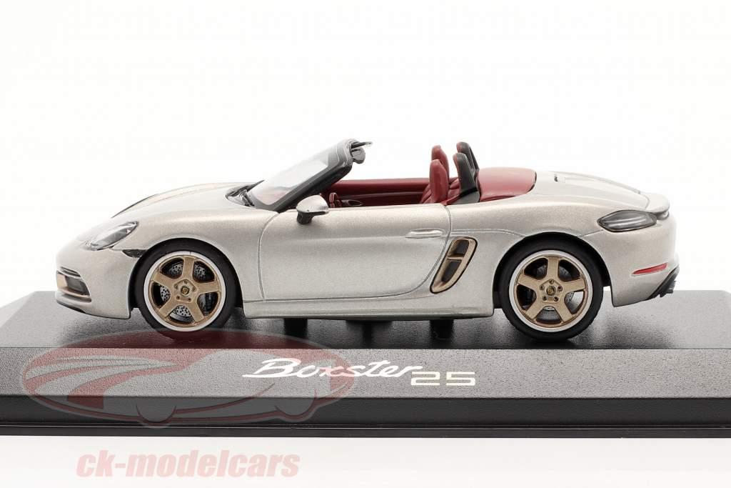 Porsche 718 (982) Boxster 25 Années GT argent métallique 1:43 Minichamps