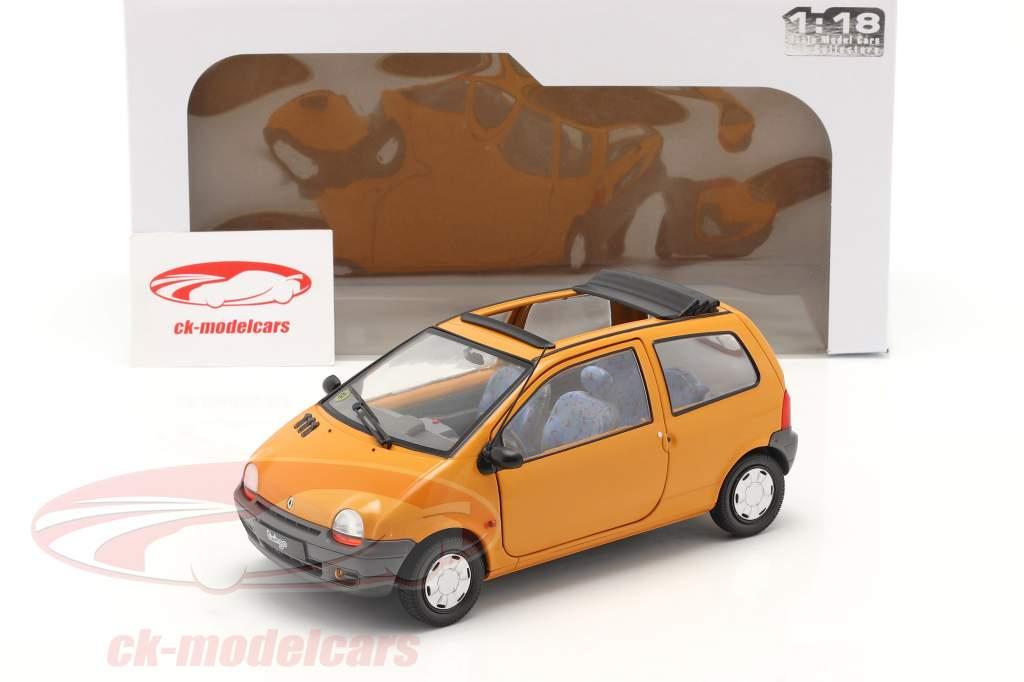 Renault Twingo MK1 Met Softtop oranje 1:18 Solido