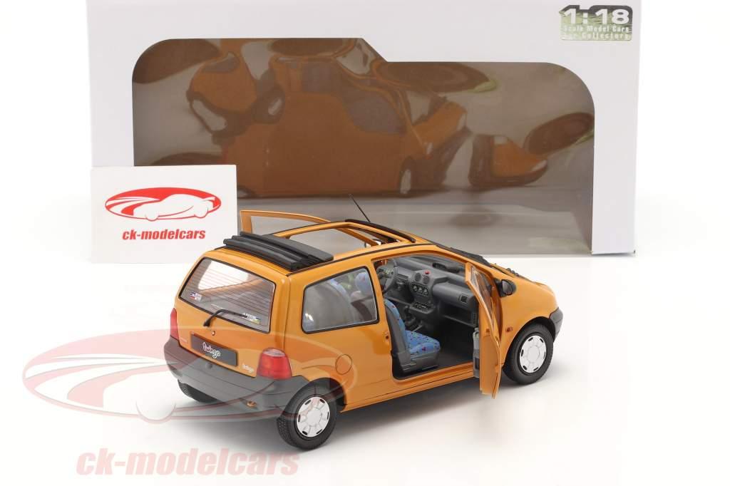Renault Twingo MK1 Avec Softtop Orange 1:18 Solido
