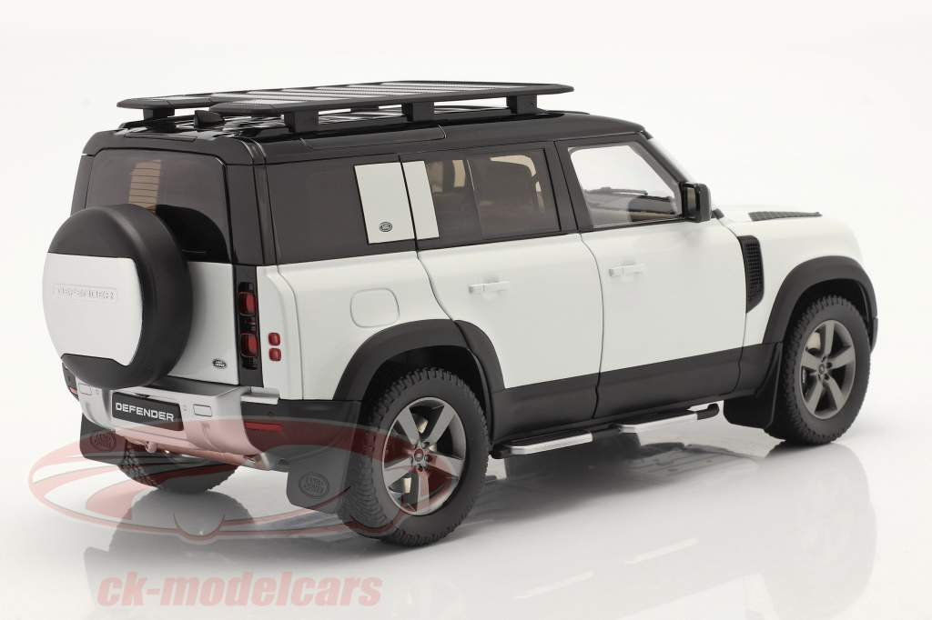 Land Rover Defender 110 Med tagbøjler 2020 fuji hvid 1:18 Almost Real
