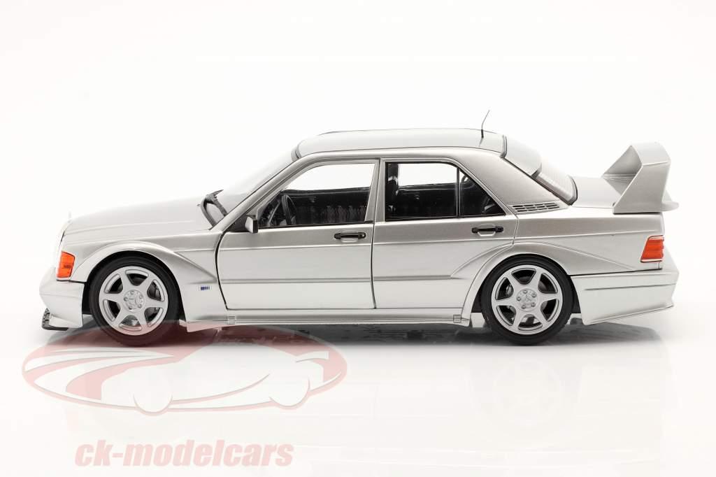 Mercedes-Benz 190E EVO 2 (W201) Bouwjaar 1990 zilver 1:18 Solido
