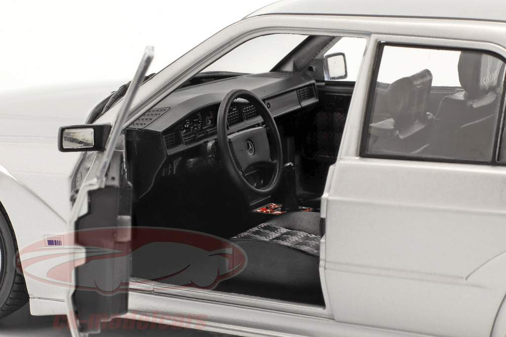 Mercedes-Benz 190E EVO 2 (W201) Año de construcción 1990 plata 1:18 Solido