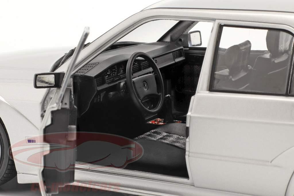 Mercedes-Benz 190E EVO 2 (W201) Baujahr 1990 silber 1:18 Solido