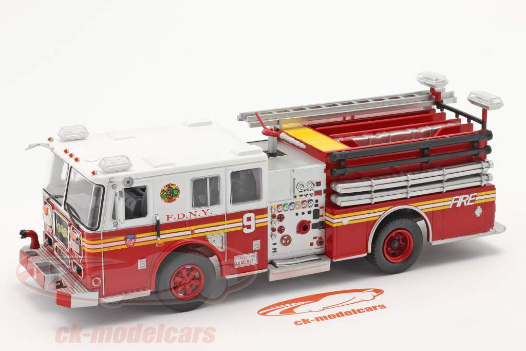Seagrave Fire Truck pompiers New York rouge / blanc 1:43 Altaya